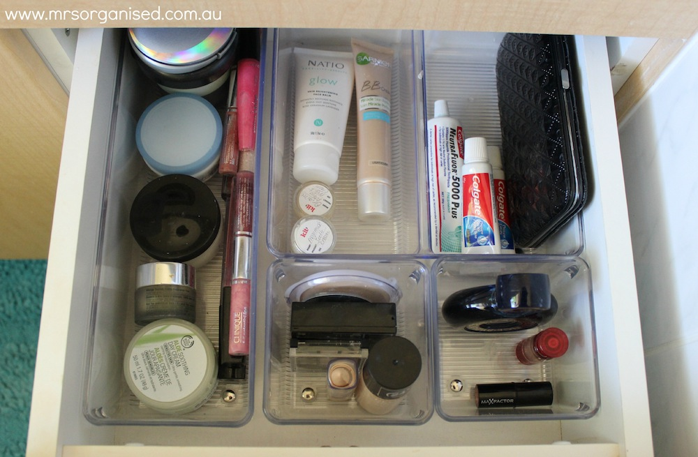 How to Organise the Bathroom Drawers (Part 1) 003