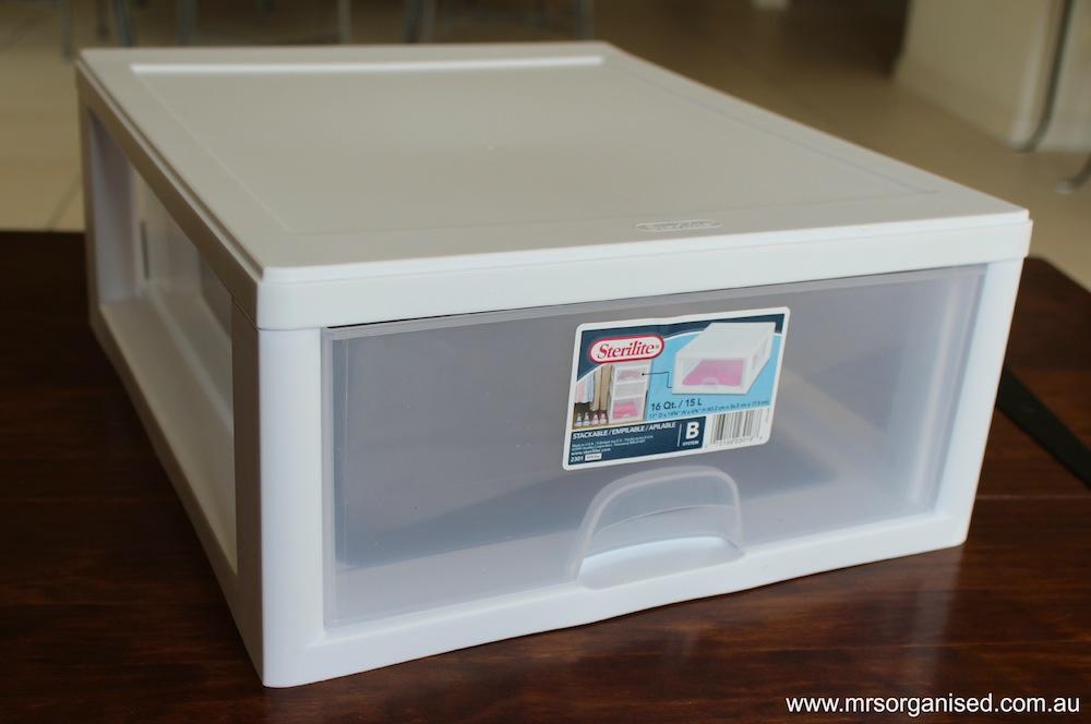 How I Organise my Plastics:Tupperware Cupboard in 6 Easy Steps 003