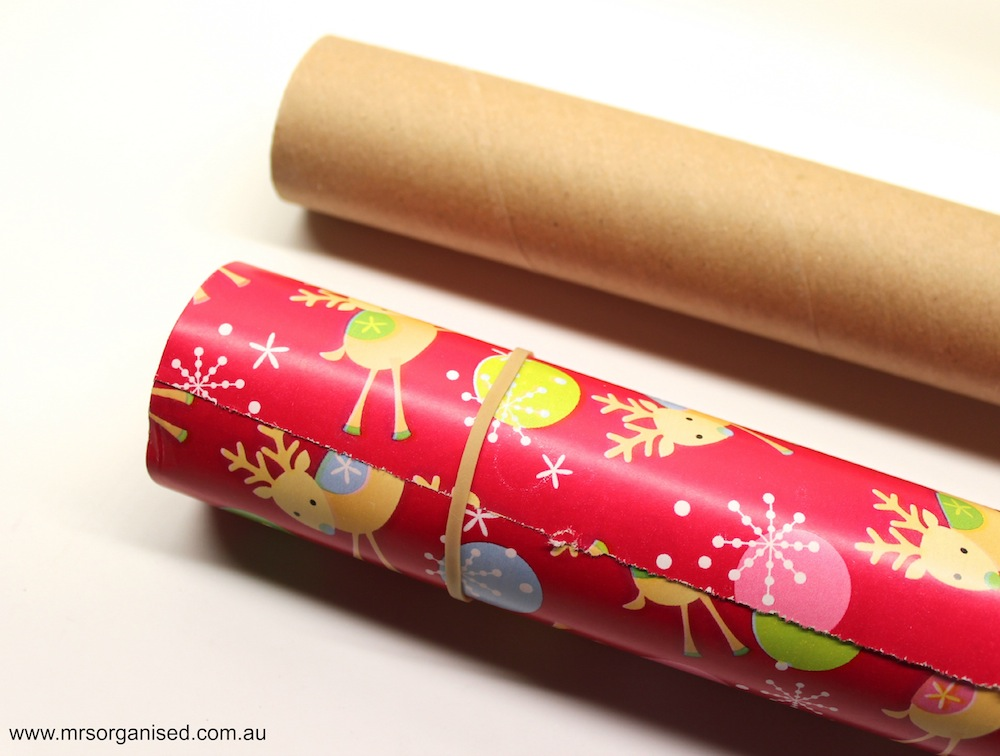 How I Organise my Christmas Wrapping Paper 003