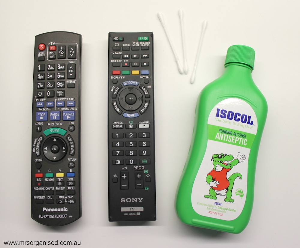 How I Clean my TV Screen and Remote Controls 003