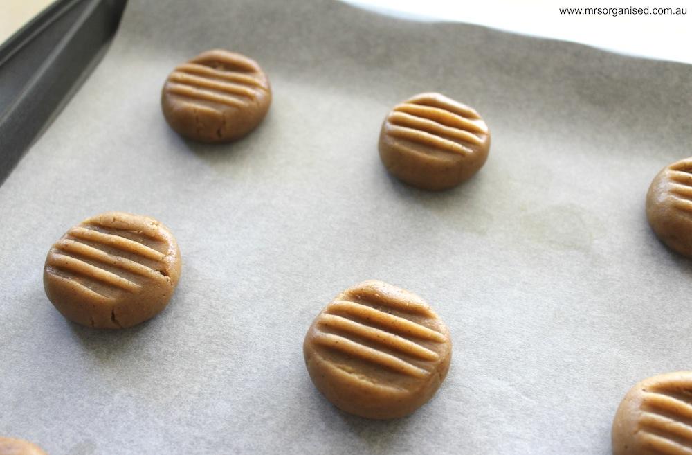 Gingernut Biscuits 003