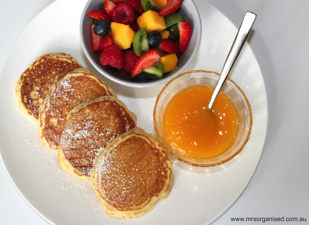 Easy Peasy Pikelets 002