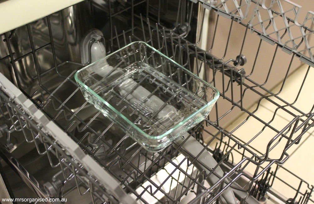 Tips for Cleaning a Dishwasher 004