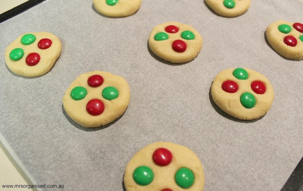 M & M Christmas Cookies 002