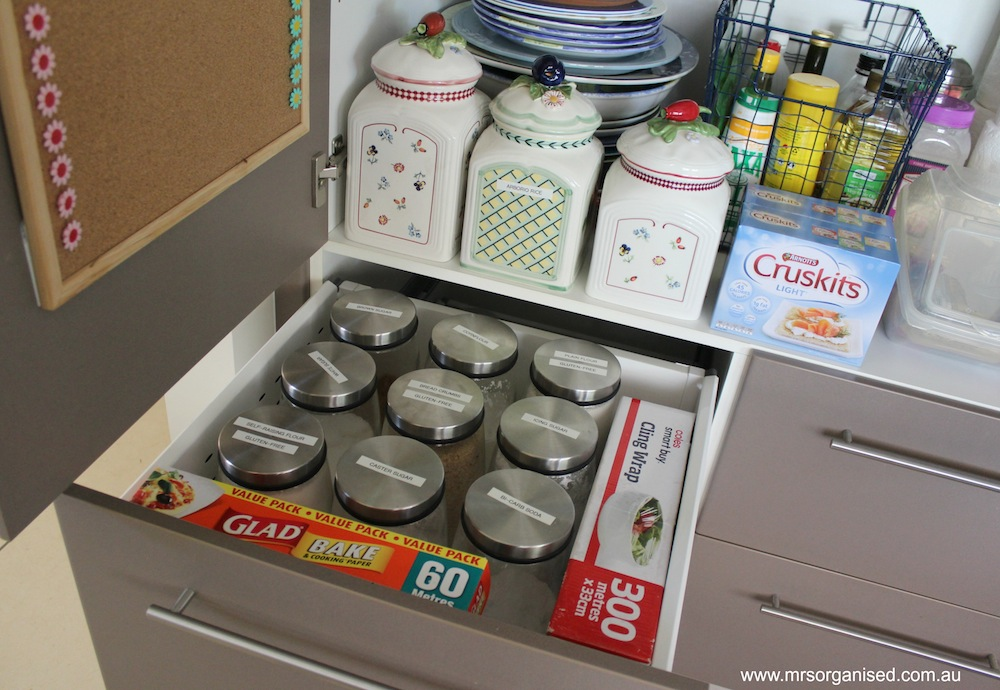 How I've Organised my Kitchen Pantry 009