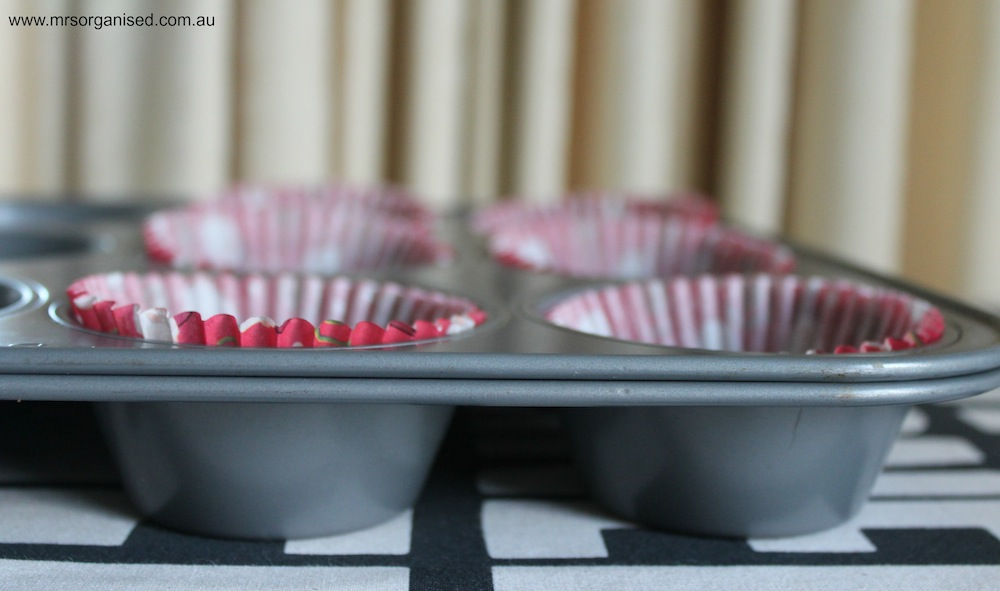 Kitchen Hints and Tips # 9 … How to Prevent your Cakes, Cupcakes and Muffins from Burning on the Side and Bottom 003