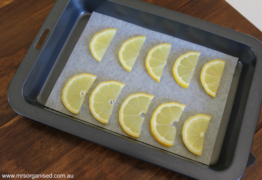 Kitchen Hints and Tips # 10 ... A Simple Guide to Freezing Lemons 003
