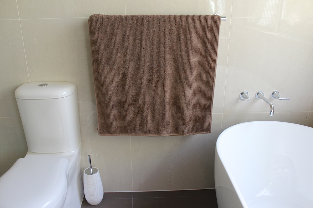 why-i-chose-large-tiles-for-my-bathroom-renovation-004